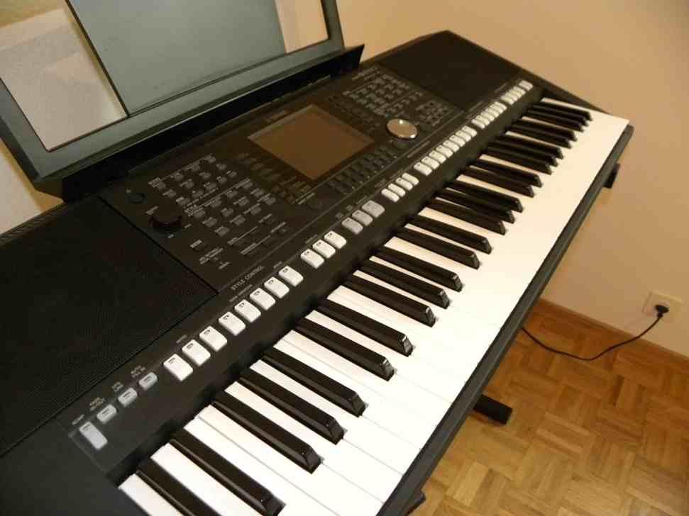Photo yamaha psr s950 yamaha keyboard yamaha psr s 950 for Yamaha psr s