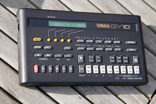 yamaha qy10 image 300259 audiofanzine