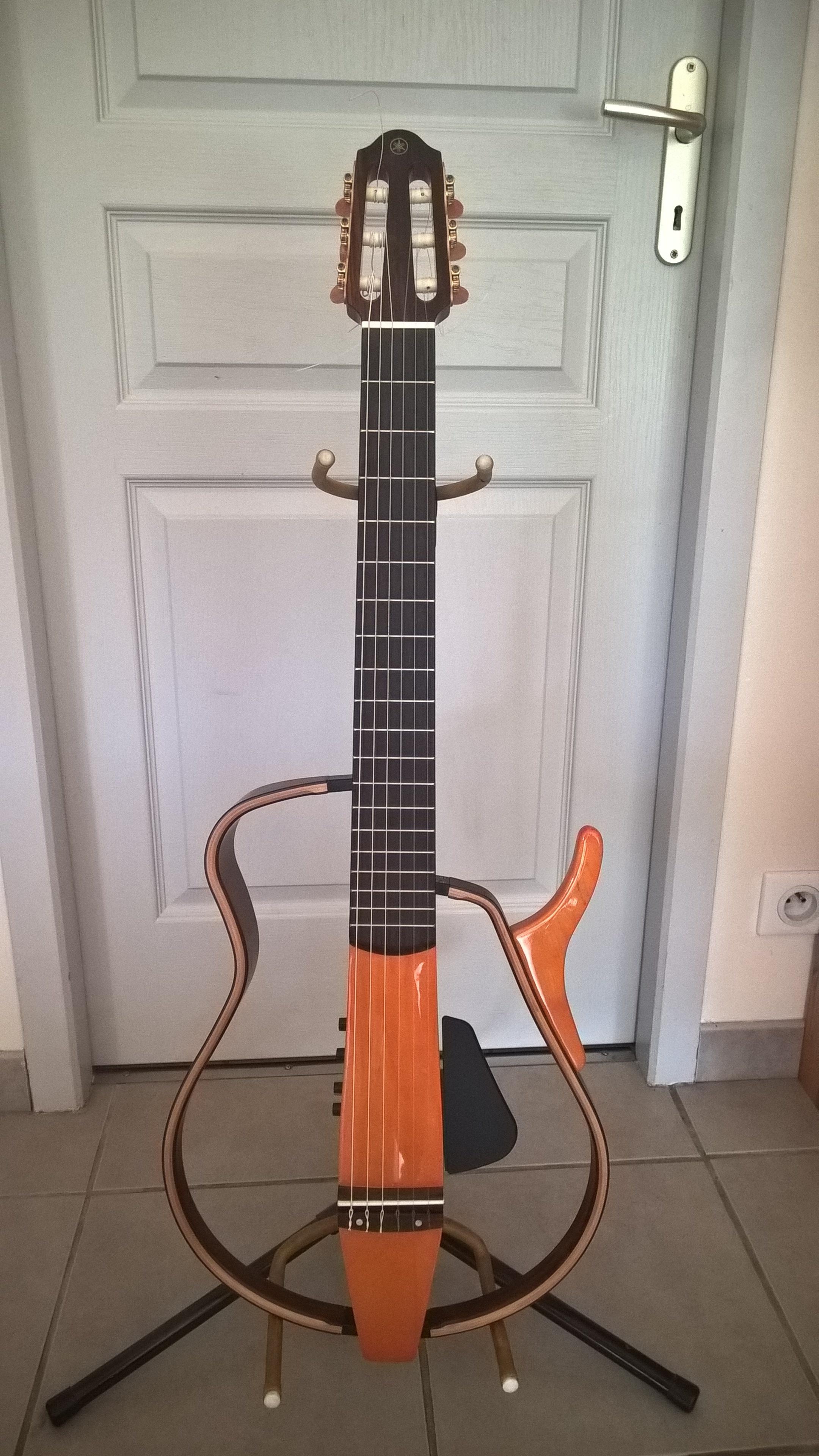 Vends yamaha slg 130nw auvergne audiofanzine for Yamaha silent guitar slg130nw