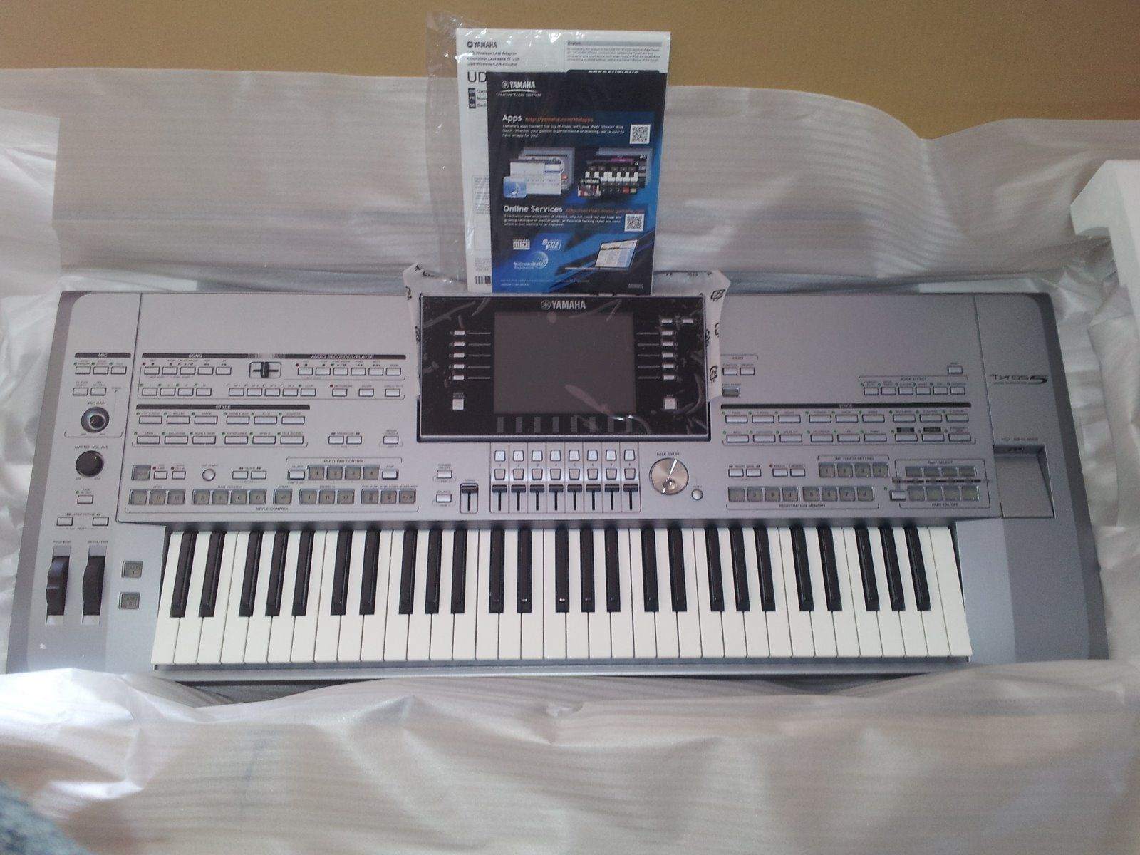 Photo yamaha tyros 5 61 keys yamaha tyros 5 61 keys for Yamaha tyros 5