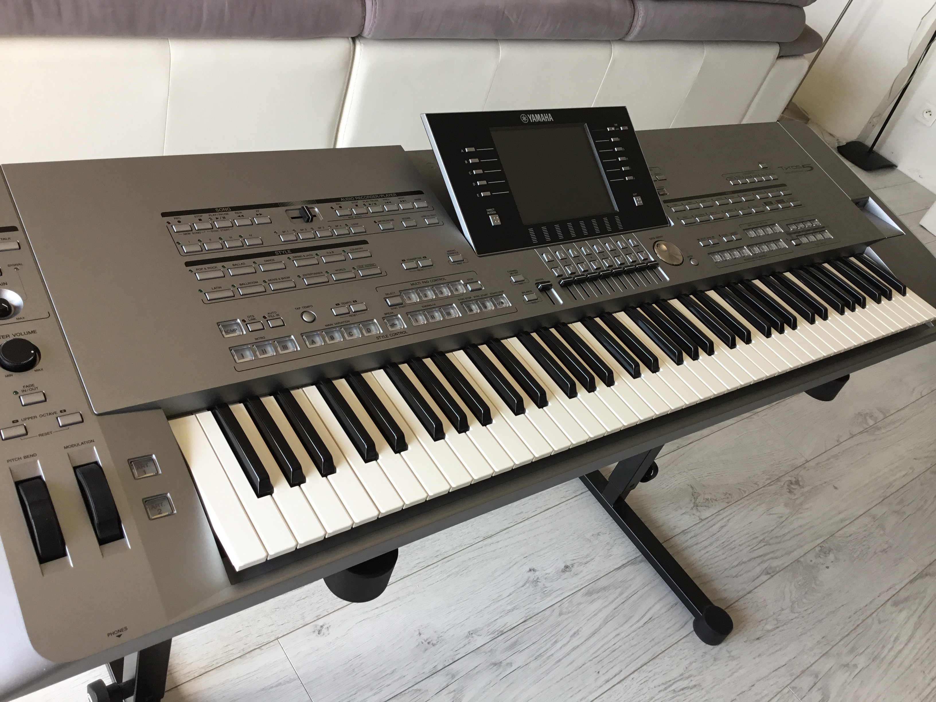 Photo yamaha tyros 5 76 keys yamaha tyros 5 76 keys for Yamaha tyros 5
