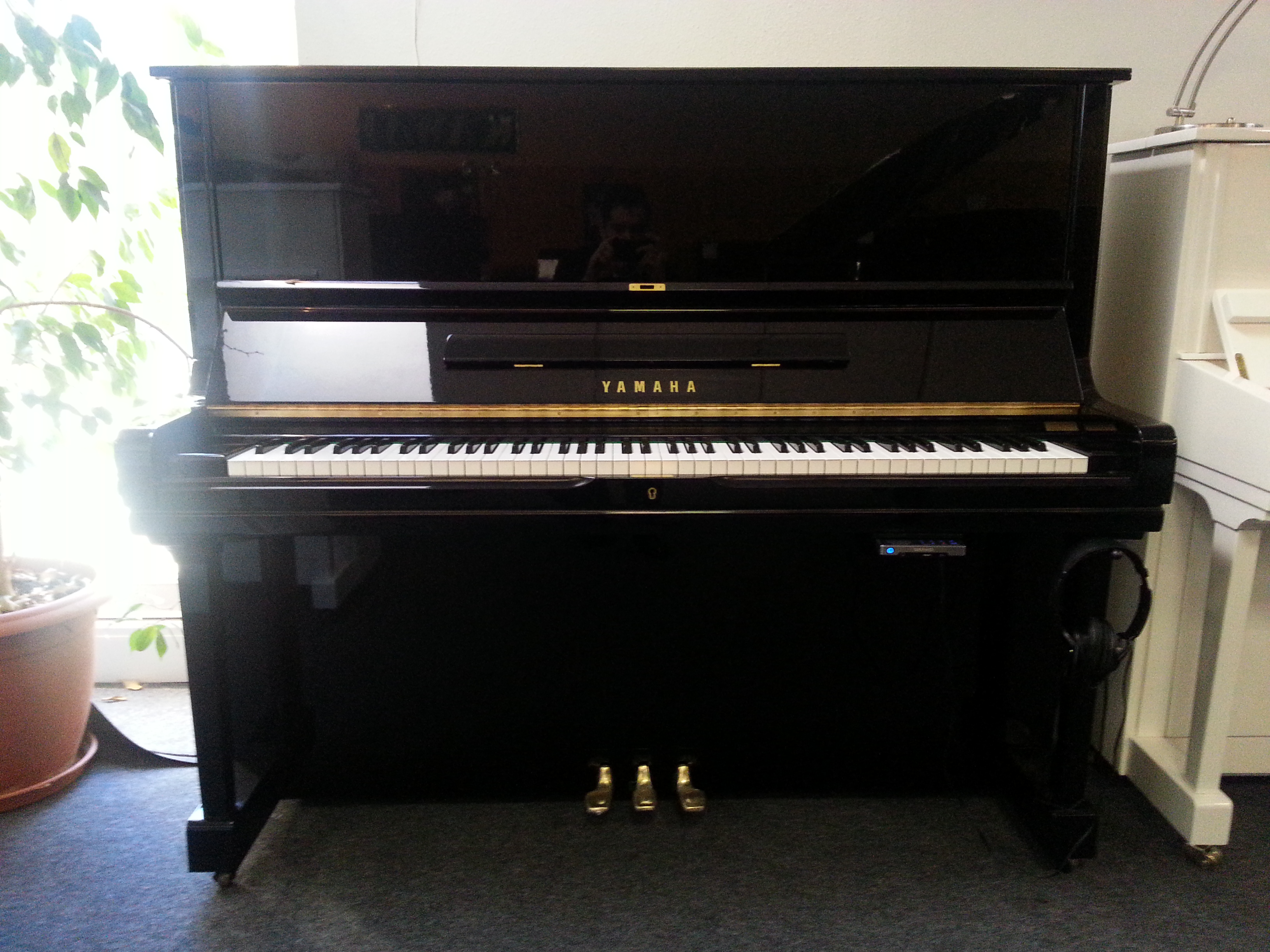 piano droit yamaha u3 silent d 39 occasion lorraine. Black Bedroom Furniture Sets. Home Design Ideas