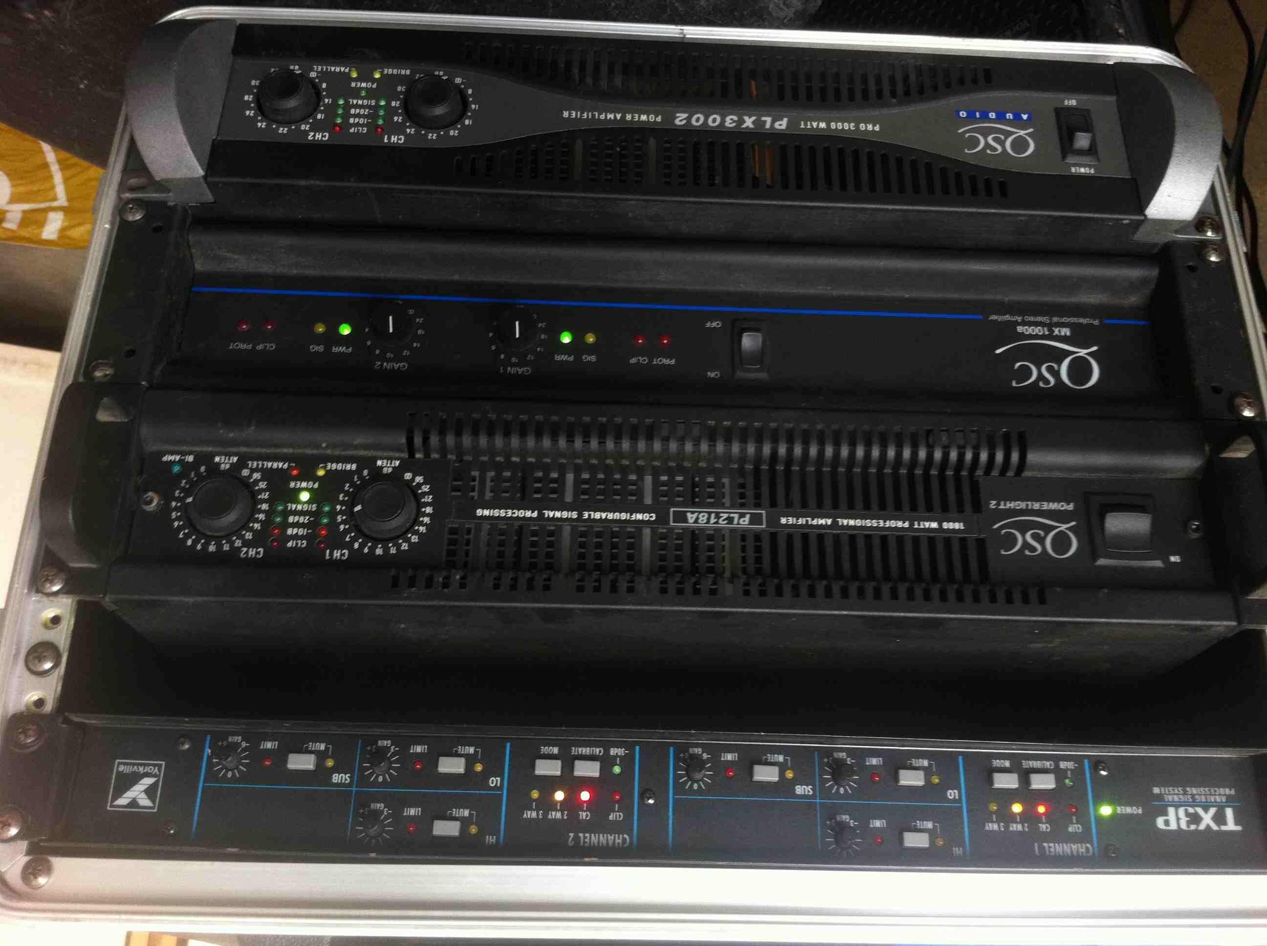 sound system tri amp tx3p 2 tx3 2 m181t amplis qsc ile de france audiofanzine. Black Bedroom Furniture Sets. Home Design Ideas