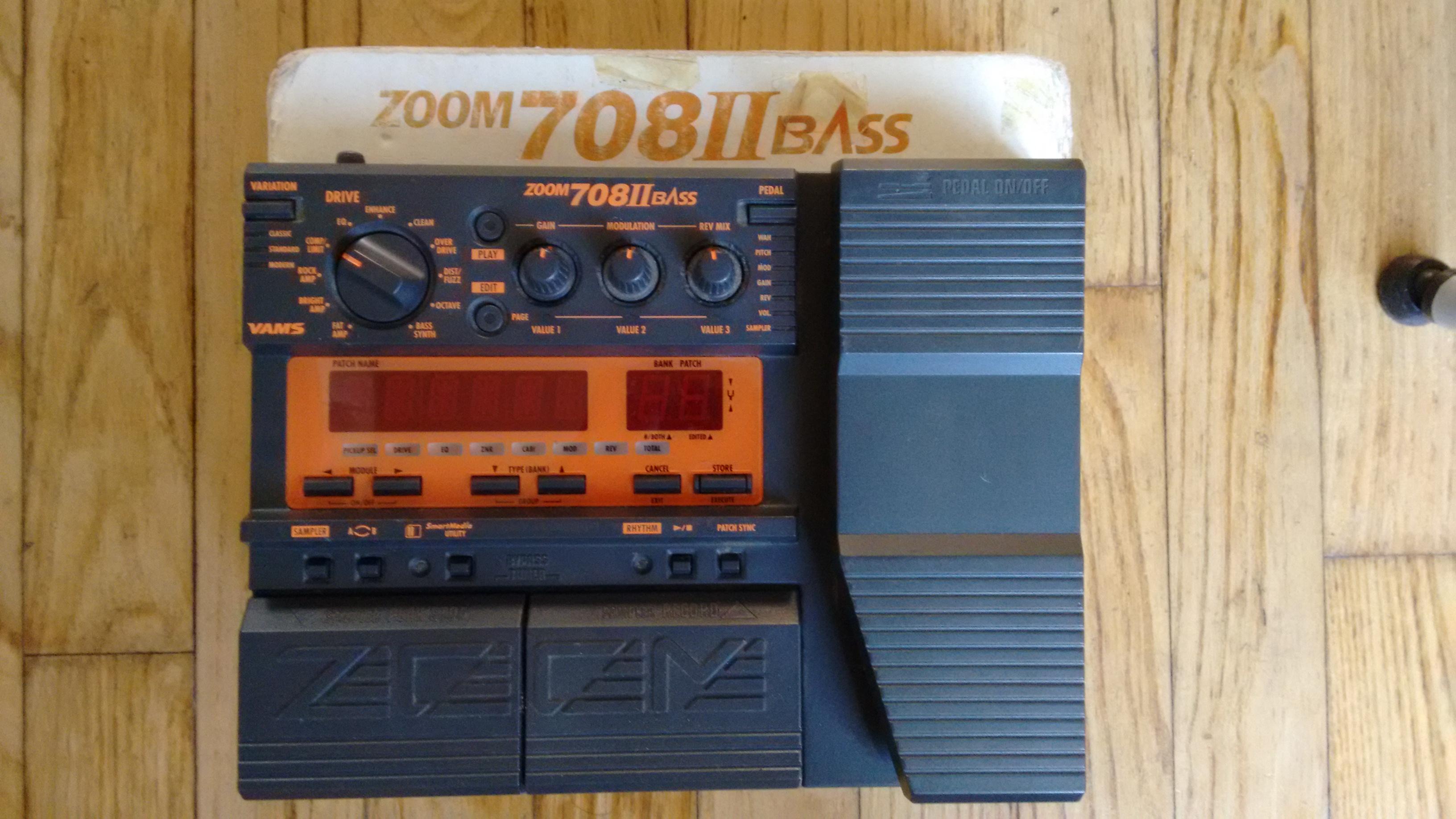 Zoom 708ii bass