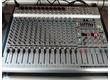 Sono complète: table Behringer PMH5000 , enceintes Peavey Pro 15