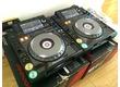 Donne 2 Pioneer cdj 2000 avec la table de mixage djm 900