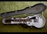 Gibson Les Paul Studio - Classic White w/ Chrome Hardware