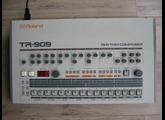 Roland TR-909 (5086)