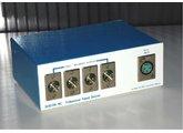 Vends répartiteur symétrique à 1 entrée et 4 sorties Sescom LS-1