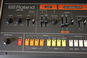 Roland Jupiter-8 : JP 8009.JPG