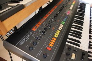 Roland Jupiter-8 : JP 8013.JPG