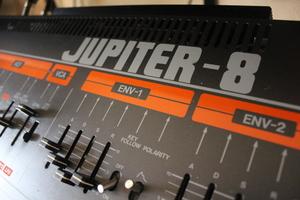 Roland Jupiter-8 : JP 8015.JPG