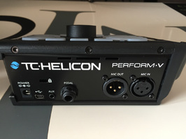 TC-Helicon Perform-V : Back