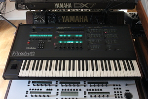 Oberheim Matrix 12 : 002.JPG