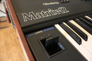 Oberheim Matrix 12 : 011.JPG