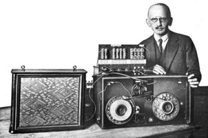 fritz pfleumer with tape recorder