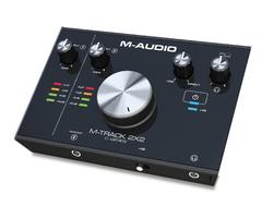 M-Audio M-Track 2x2 : MIUE M Track2x2 Angle Media8x10