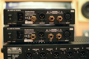 Fredenstein Professional Audio V.A.S Compressor : 4 VAS Rear Panel