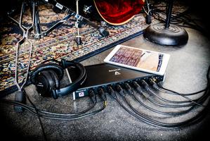 Apogee Element 88 : IMG 3264 Element88 Floor iPad Headphones