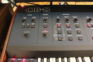 Oberheim OB-8 : OB 8 06.JPG