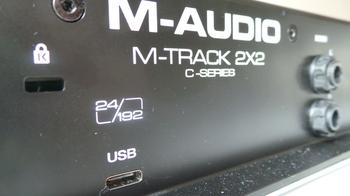 M-Audio M-Track 2x2 : M Audio M Track 2X2 8.JPG