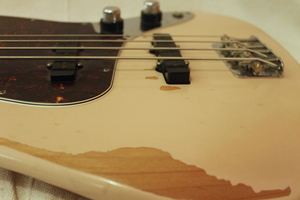 Fender Flea Jazz Bass : IMG 9944.JPG