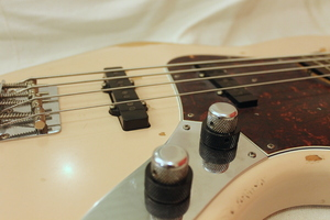 Fender Flea Jazz Bass : IMG 9950.JPG