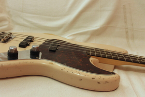 Fender Flea Jazz Bass : IMG 9951.JPG