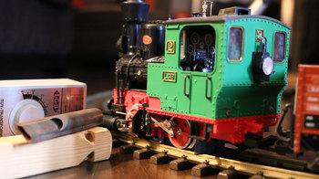 NI KOMPLETE KINETIC TREATS Electric Train1
