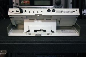Roland TR-09 : back2