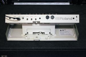 Roland TR-09 : back