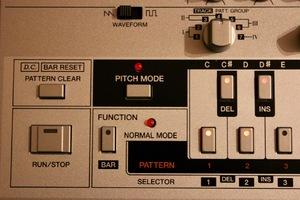Roland TB-03 : TB 03 9
