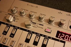 Roland TB-03 : TB 03 11