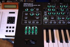 Roland SYSTEM-8 : System 8 2tof 05.JPG