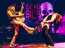 Doug Aldrich Stage Duo 2