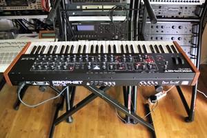 Dave Smith Instruments Prophet Rev2 : Prophet Rev2 2tof 011.JPG
