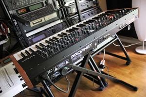 Dave Smith Instruments Prophet Rev2 : Prophet Rev2 2tof 013.JPG