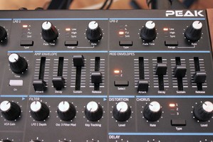 Novation Peak : Peak 2tof 009.JPG