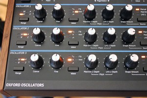 Novation Peak : Peak 2tof 010.JPG