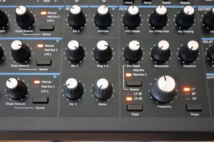 Novation Peak : Peak 2tof 011.JPG
