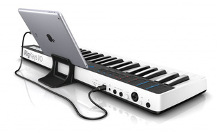 IK Multimedia iRig Keys I/O 49 : ikc L 07 iRigKeys 49 IO ipad stand back
