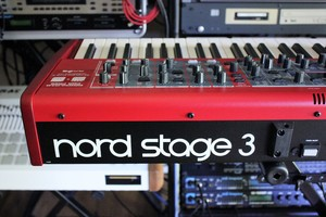 Clavia Nord Stage 3 HP76 : NS3 2tof 15.JPG