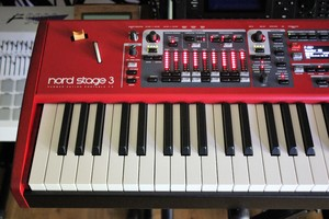 Clavia Nord Stage 3 HP76 : NS3 2tof 05.JPG