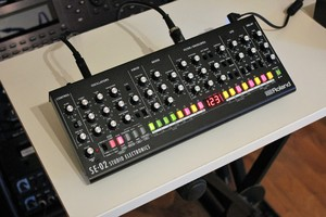 Roland SE-02 : SE 02 2tof 02.JPG