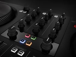 Native Instruments Traktor Kontrol S2 mk3 : TRAKTOR KONTROL S2 MK3 mixer