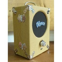 Pignose Legendary 7-100 - Tweed Edition : ampli-pignose-legendary-7-100-tweed-edition Side