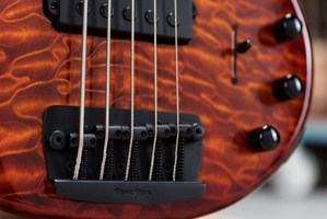Ernie-Ball-Music-Man-BFR-Stingray-5-HH-Bass-Bridge-1000x667