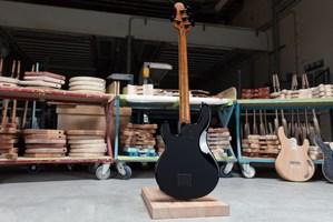 Ernie-Ball-Music-Man-BFR-StingRay-Special-4-H-Bass-Back-1000x667