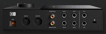 komplete-audio-6-Rear