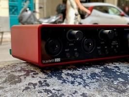 Scarlette2i2G3 - 1